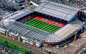 Which are the largest and smallest stadia in the Premier League?