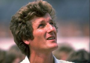 What were Bob Willis' best Test match bowling figures?